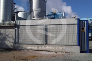Acoustic barrier to reduce noise emission to the environment for a Cogeneration Plant.