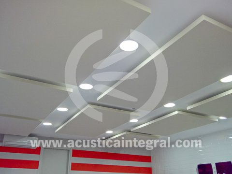 Acoustic conditioning of dining facilities with Acustiart systems.